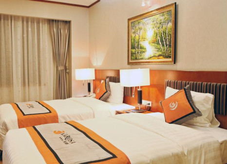 Hotelzimmer mit Mountainbike im Hanoi Larosa Hotel