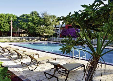 Hotel Ramada Naples günstig bei weg.de buchen - Bild von DERTOUR