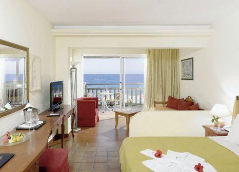 Hotelzimmer mit Volleyball im Alexander Beach Hotel & Village