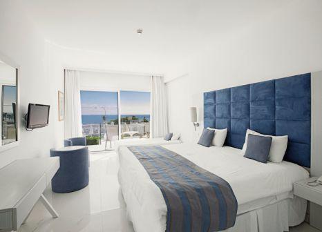 Hotelzimmer mit Volleyball im Odessa Beach Hotel