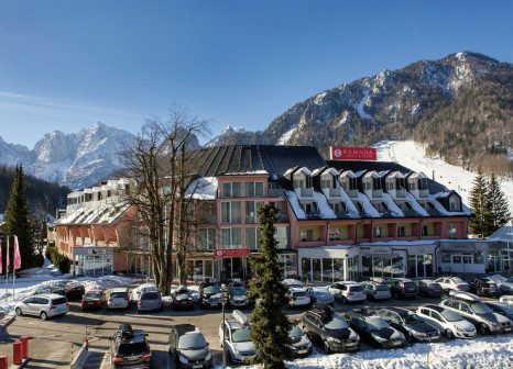 Ramada Hotel and Suites Kranjska Gora in Slowenien - Bild von DERTOUR