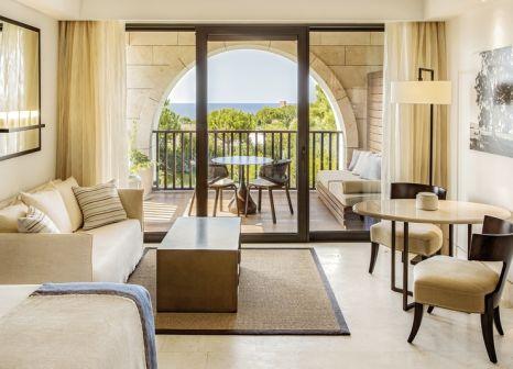 Hotelzimmer mit Fitness im The Romanos a Luxury Collection Resort Costa Navarino