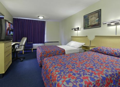 Hotelzimmer mit Clubs im Red Roof PLUS+ Miami Airport