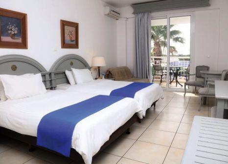 Hotelzimmer mit Mountainbike im LABRANDA Sandy Beach Resort