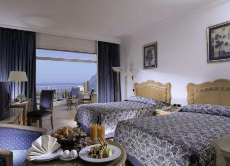 Hotelzimmer mit Volleyball im SENTIDO Palm Royale