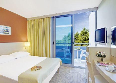 Hotelzimmer mit Minigolf im Valamar Crystal Hotel