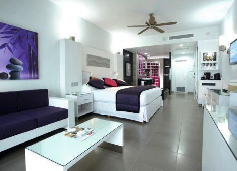Hotelzimmer mit Volleyball im Hotel Riu Palace Peninsula