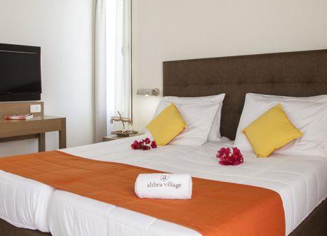 Hotelzimmer mit Tennis im Althea Village Suneo Club