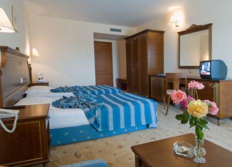 Hotelzimmer mit Volleyball im Pelican Hotel