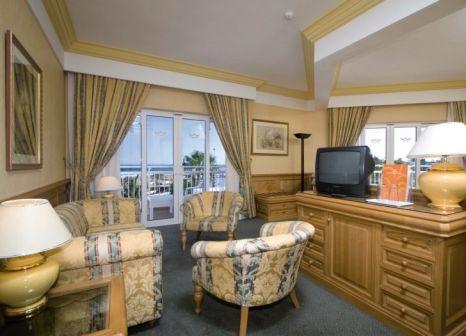 Hotelzimmer mit Volleyball im Hotel Riu Paraiso Lanzarote