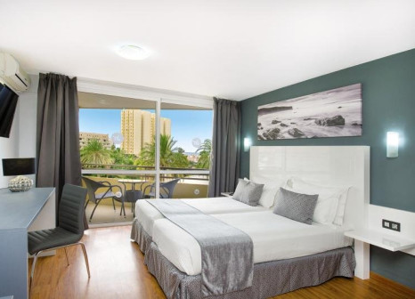 Hotelzimmer mit Volleyball im Olé Tropical Tenerife