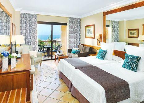 Hotelzimmer im GF Gran Costa Adeje günstig bei weg.de