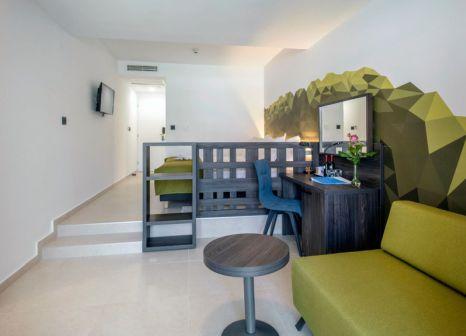 Hotelzimmer mit Volleyball im Bluesun Hotel Alga
