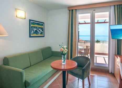 Hotelzimmer mit Volleyball im Bluesun Resort Afrodita
