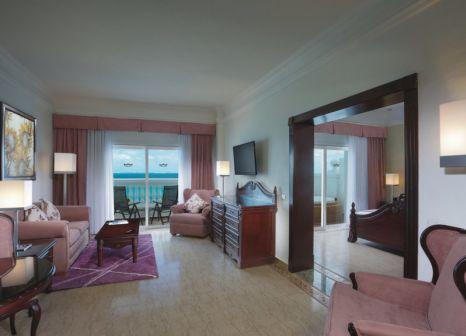 Hotelzimmer mit Volleyball im RIU Palace Las Américas