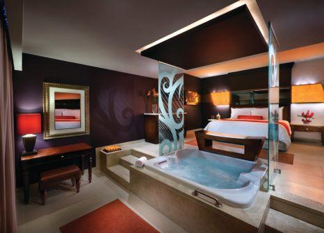 Hotelzimmer mit Mountainbike im Hard Rock Hotel & Casino Punta Cana