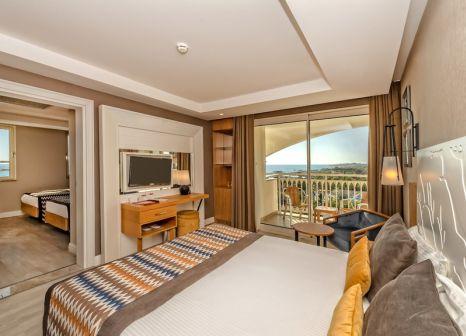 Hotelzimmer mit Mountainbike im Kirman Sidera Luxury & Spa