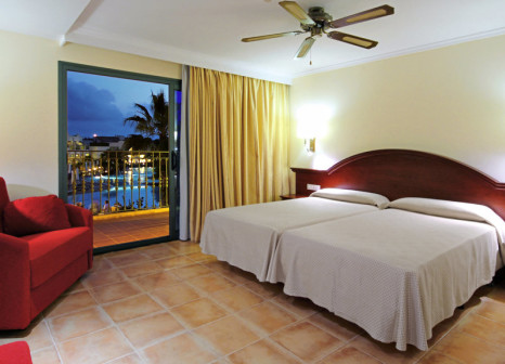 Hotelzimmer mit Mountainbike im Valentin Star Hotel