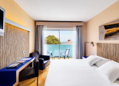 Hotelzimmer mit Minigolf im Occidental Menorca