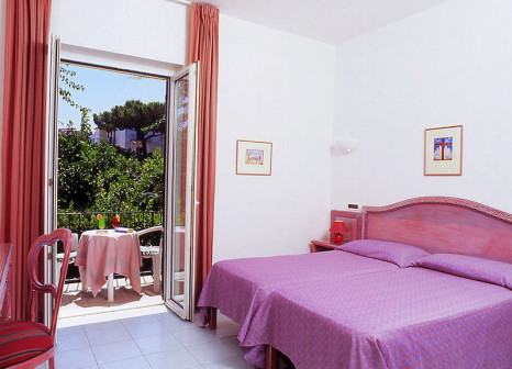 Hotelzimmer mit Kinderpool im Royal Terme