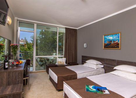 Hotelzimmer mit Mountainbike im LTI Neptun Beach