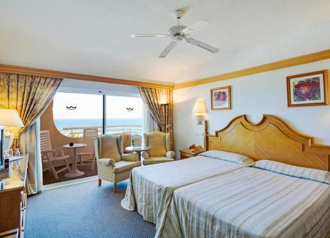 Hotelzimmer mit Tischtennis im Hotel Riu Palace Tres Islas