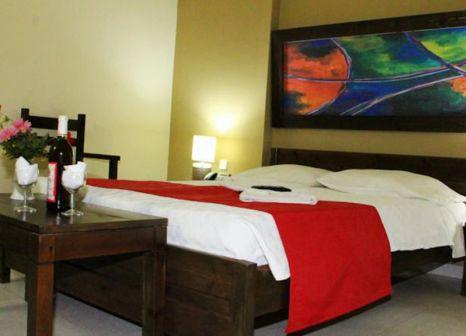 Hotelzimmer mit Tischtennis im Porto Plazza Hotel