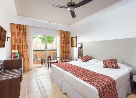Hotelzimmer mit Volleyball im Riu Funana