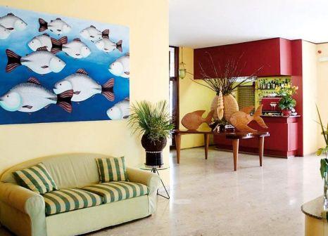 Hotelzimmer mit Mountainbike im Danieli