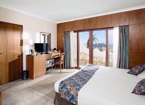 Hotelzimmer mit Volleyball im Swiss Inn Resort Dahab