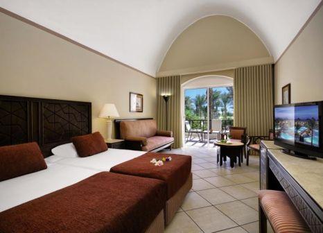 Hotelzimmer mit Volleyball im Iberotel Makadi Beach