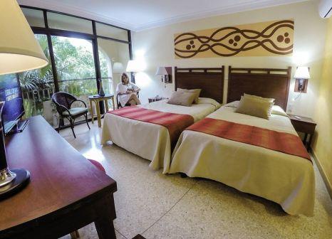 Hotelzimmer mit Volleyball im Roc Barlovento
