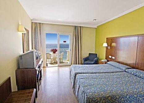 Hotelzimmer mit Tennis im Hotel Perla Marina