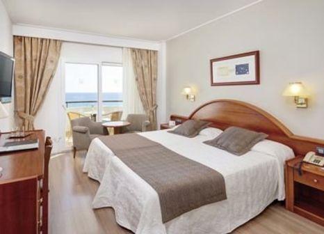 Hotelzimmer mit Mountainbike im Hipotels Hipocampo Playa