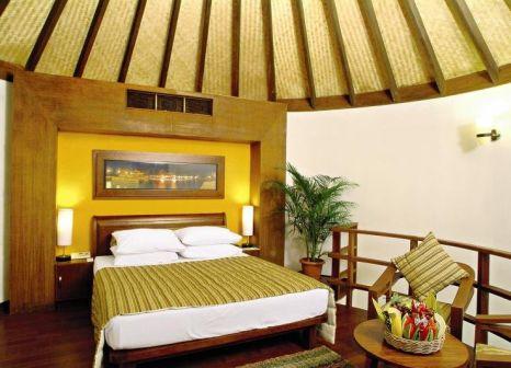 Hotelzimmer mit Volleyball im Bandos Maldives