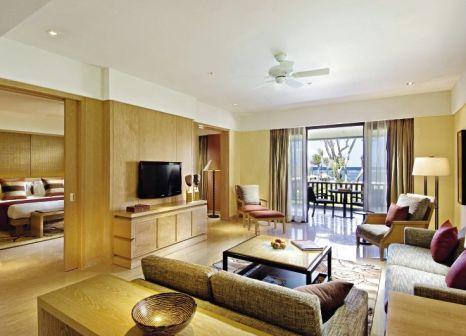 Hotelzimmer mit Mountainbike im Conrad Bali