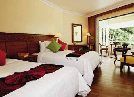 Hotelzimmer mit Yoga im Le Meridien Phuket Beach Resort