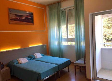 Hotelzimmer mit Mountainbike im Hotel Bella Italia EFA Village