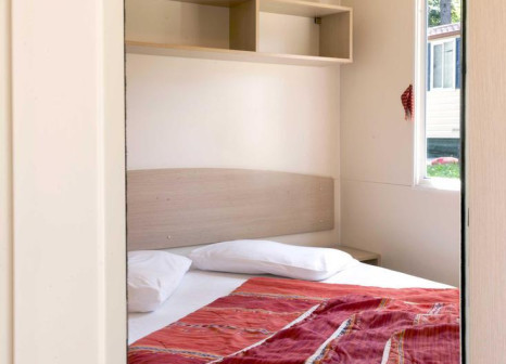 Hotelzimmer mit Mountainbike im Camping Village Poljana