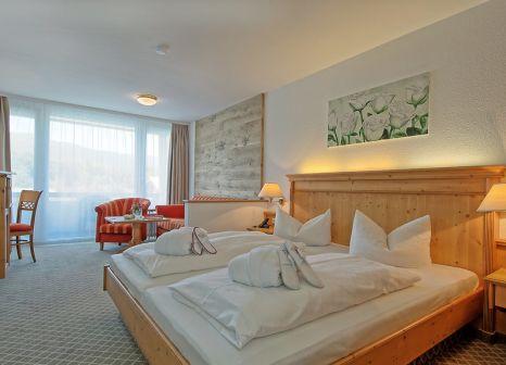 Hotelzimmer mit Tischtennis im Alpenhotel Fischer