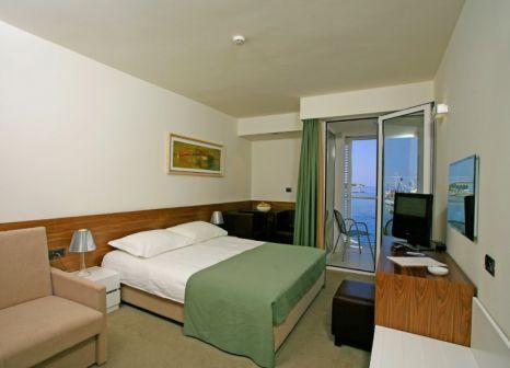 Hotelzimmer mit Sandstrand im Vrilo