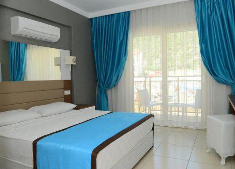 Hotelzimmer mit Tischtennis im Marcan Resort Hotel