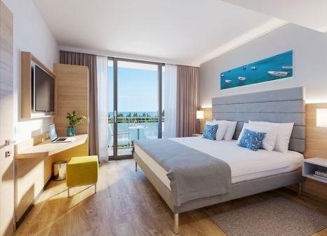Hotelzimmer mit Mountainbike im Valamar Parentino Hotel