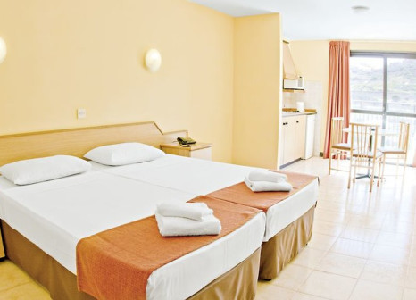 Hotelzimmer mit Golf im Luna Holiday Complex