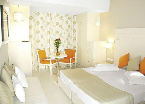 Hotelzimmer mit Mountainbike im Seabel Rym Beach