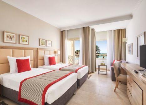 Hotelzimmer mit Volleyball im Jaz Casa del Mar Beach