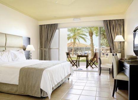 Hotelzimmer mit Volleyball im Bin Majid Beach Resort