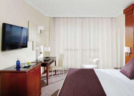 Hotelzimmer mit Mountainbike im Meliá Sitges