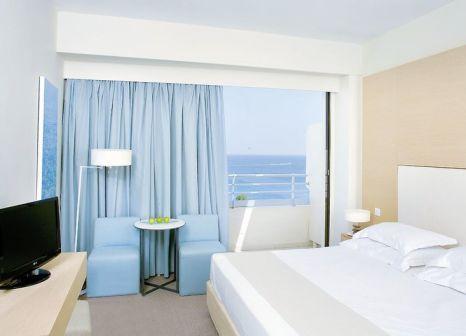 Hotelzimmer mit Volleyball im Capo Bay Hotel