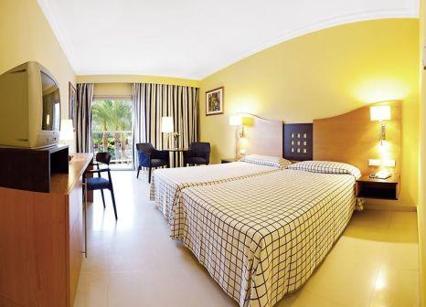 Hotelzimmer mit Volleyball im Hotel Paradise Costa Taurito